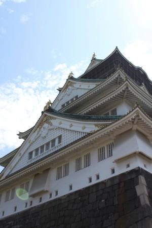 """大阪城!下から見上げる勇壮な姿は""""すばらしい""""のひとことで。"""