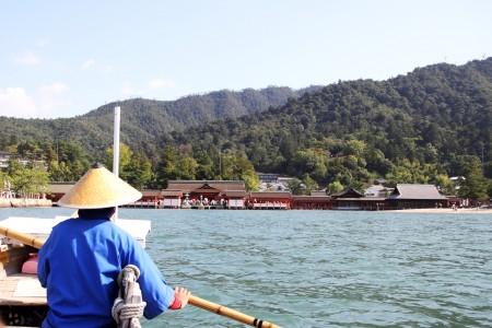 遊覧船からの厳島神社。